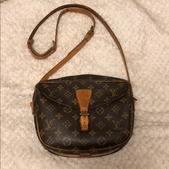 Louis Vuitton Handbags - VINTAGE RARE LOUIS  VUITTON CROSSBODDY BAG